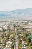 Άποψη του Παλμ Σπρινγκς από το ίχνος πεζοπορίας Araby, στο Παλμ Σπρινγκς, Καλιφόρνια στοκ φωτογραφίες