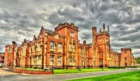 Άποψη του πανεπιστημίου της βασίλισσας στο Μπέλφαστ στοκ φωτογραφίες