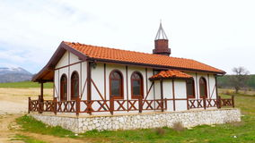 Άποψη του παραδοσιακού οθωμανικού από την Ανατολία του χωριού μουσουλμανικού τεμένους, Safranbolu, Τουρκία απόθεμα βίντεο