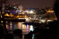 Άποψη του παλαιού λιμανιού Antalya τη νύχτα σε Kaleici Στοκ φωτογραφία με δικαίωμα ελεύθερης χρήσης