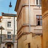 Άποψη του παλαιού κτηρίου στην ευρωπαϊκή πόλη, αρχιτεκτονική Lviv stre Στοκ εικόνες με δικαίωμα ελεύθερης χρήσης