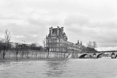 Άποψη του παλατιού από τον ποταμό Στοκ φωτογραφίες με δικαίωμα ελεύθερης χρήσης