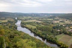 Άποψη του ποταμού Dordogne και της κοιλάδας Dordogne από τους τοίχους της παλαιάς πόλης Domme, Dordogne στοκ φωτογραφία με δικαίωμα ελεύθερης χρήσης