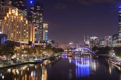 Άποψη του ποταμού Yarra και του ορίζοντα της Μελβούρνης από τη γέφυρα πριγκήπων, ι στοκ εικόνες με δικαίωμα ελεύθερης χρήσης