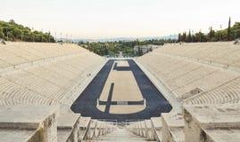Άποψη του πολυτελούς μαρμάρινου σταδίου στην Αθήνα Στοκ εικόνα με δικαίωμα ελεύθερης χρήσης
