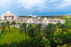 Άποψη του προεδρικού παλατιού στο εμιράτο του Αμπού Ντάμπι, Ε.Α.Ε. στοκ εικόνες
