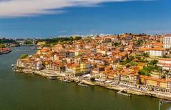 Άποψη του Πόρτο πέρα από τον ποταμό Douro Στοκ Εικόνα