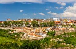 Άποψη του Πόρτο πέρα από τον ποταμό Douro Στοκ Φωτογραφία