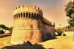 Άποψη του ρωμαϊκού κάστρου του Giulio ΙΙ, Ostia Antica - Ρώμη Στοκ Φωτογραφία