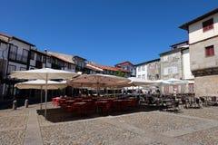Άποψη του Σάο Tiago Plaza de Σαντιάγο Praca στην παλαιά πόλη του Guimaraes Στοκ εικόνες με δικαίωμα ελεύθερης χρήσης