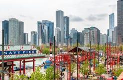 Άποψη του Σικάγου κεντρικός από την αποβάθρα ναυτικού, η οποία προσφέρει το μεγάλο πανόραμα πόλεων και του Μίτσιγκαν λιμνών Στοκ Εικόνες