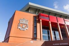 Άποψη του σταδίου Anfield, σπίτι της λέσχης ποδοσφαίρου του Λίβερπουλ Στοκ εικόνες με δικαίωμα ελεύθερης χρήσης