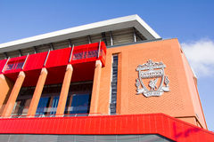 Άποψη του σταδίου Anfield, σπίτι της λέσχης ποδοσφαίρου του Λίβερπουλ Στοκ εικόνα με δικαίωμα ελεύθερης χρήσης
