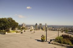 Άποψη του στο κέντρο της πόλης Μόντρεαλ από το βασιλικό πανοραμικό πυργίσκο υποστηριγμάτων Στοκ φωτογραφίες με δικαίωμα ελεύθερης χρήσης