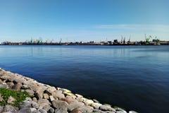 Άποψη του τερματικού φόρτωσης θάλασσας στοκ εικόνες