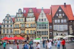 Άποψη του τετραγώνου αγοράς της Βρέμης με το Δημαρχείο, το άγαλμα του Roland και το πλήθος των ανθρώπων, ιστορικό κέντρο, Γερμανί Στοκ φωτογραφίες με δικαίωμα ελεύθερης χρήσης