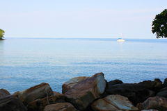 Άποψη του τροπικού νησιού στον κόλπο της Ταϊλάνδης Στοκ φωτογραφία με δικαίωμα ελεύθερης χρήσης