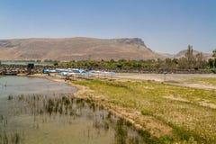 Άποψη του υποστηρίγματος Arbel από την ακτή της θάλασσας Galilee, Ισραήλ Στοκ φωτογραφία με δικαίωμα ελεύθερης χρήσης