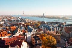 Άποψη του φθινοπώρου της Ρήγας από τη γέφυρα παρατήρησης του towe στοκ φωτογραφία με δικαίωμα ελεύθερης χρήσης
