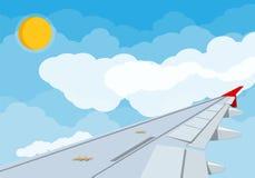 Άποψη του φτερού των αεροσκαφών στον ουρανό Στοκ φωτογραφίες με δικαίωμα ελεύθερης χρήσης