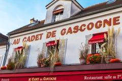 Άποψη του χαρακτηριστικού καφέ του Παρισιού, πρόσοψη Au Cadet de Gascogne στοκ φωτογραφίες με δικαίωμα ελεύθερης χρήσης