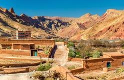 Άποψη του χωριού Bou Tharar Μαρόκο, η κοιλάδα των τριαντάφυλλων Στοκ Φωτογραφίες