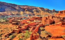 Άποψη του χωριού Bou Tharar Μαρόκο, η κοιλάδα των τριαντάφυλλων Στοκ Φωτογραφία