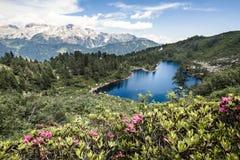 Άποψη του όμορφου ιταλικού τοπίου βουνών Στοκ Εικόνες