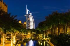Άποψη του Al Άραβας Burj ξενοδοχείων από το παζάρι Madinat Jumeirah Στοκ φωτογραφία με δικαίωμα ελεύθερης χρήσης
