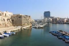 Άποψη του angevin-Aragonese Castle και λιμάνι σε Gallipoli Στοκ Εικόνες