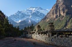 Άποψη του annapurna ΙΙ αιχμή, οδοιπορικό κυκλωμάτων annapurna, Νεπάλ Στοκ εικόνες με δικαίωμα ελεύθερης χρήσης
