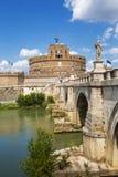 Άποψη του Castel Sant ` Angelo ή μαυσωλείο του Αδριανού και Ponte Sant ` Angelo, Ρώμη Στοκ φωτογραφία με δικαίωμα ελεύθερης χρήσης