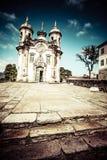 Άποψη του Igreja de Σαν Φραντσίσκο de Assis της πόλης παγκόσμιων κληρονομιών της ΟΥΝΕΣΚΟ του preto ouro στα gerais Βραζιλία του Mi Στοκ Εικόνες