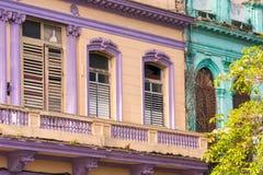 Άποψη του multi-storey κτηρίου, Αβάνα, Κούβα Κινηματογράφηση σε πρώτο πλάνο Στοκ Εικόνες
