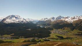 Άποψη του ST Moritz από το βουνό απόθεμα βίντεο