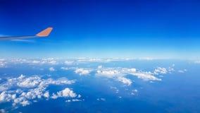 Άποψη των αεροσκαφών που εμείς ` σχετικά με το ταξίδι στον τουρισμό στοκ εικόνες με δικαίωμα ελεύθερης χρήσης