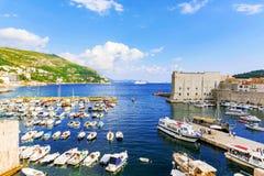 Άποψη των αποβαθρών προκυμαιών Dubrovnik ` s στοκ φωτογραφία με δικαίωμα ελεύθερης χρήσης