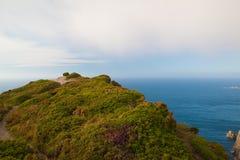 Άποψη των απότομων βράχων κινδύνου σε Cabo Penas, Ισπανία Στοκ εικόνες με δικαίωμα ελεύθερης χρήσης
