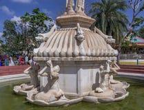 Άποψη των αρχαίων αγαλμάτων, μέρος γλυπτών της πηγής καταρρακτών, Chennai, Ινδία, στις 29 Ιανουαρίου 2017 Στοκ Φωτογραφίες
