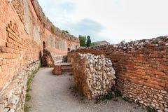 Άποψη των αρχαίων ελληνικός-ρωμαϊκών καταστροφών θεάτρων Στοκ Εικόνα