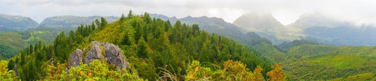 Άποψη των βουνών από το pico DAS Pedras, νησί της Μαδέρας, Πορτογαλία, Ευρώπη Στοκ εικόνα με δικαίωμα ελεύθερης χρήσης