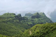 Άποψη των βουνών και των δρόμων σε Varandha ghat, Pune στοκ εικόνες με δικαίωμα ελεύθερης χρήσης