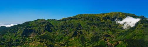 Άποψη των βουνών στη διαδρομή Encumeada - Boca de Corrida, νησί της Μαδέρας, Πορτογαλία, Ευρώπη Στοκ Φωτογραφίες