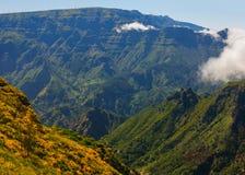 Άποψη των βουνών στη διαδρομή Encumeada - Boca de Corrida, νησί της Μαδέρας, Πορτογαλία, Ευρώπη Στοκ Φωτογραφία