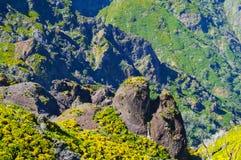 Άποψη των βουνών στη διαδρομή Pico Ruivo - Encumeada, νησί της Μαδέρας, Πορτογαλία, Ευρώπη Στοκ Εικόνες