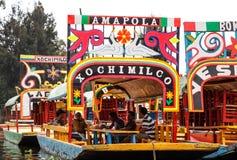 Άποψη των διάσημων trajineras Xochimilco που βρίσκεται στην Πόλη του Μεξικού στοκ εικόνες