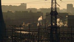 άποψη των εγκαταστάσεων θερμικής παραγωγής ενέργειας απόθεμα βίντεο