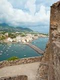 Άποψη των ισχίων Ponte από Aragonese Castle Στοκ φωτογραφία με δικαίωμα ελεύθερης χρήσης
