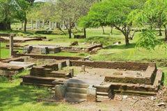 Άποψη των καταστροφών της ιερής πόλης σε Anuradhapura, Σρι Λάνκα Στοκ Εικόνα