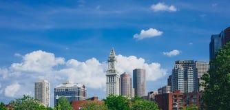 Άποψη των κτηρίων και των skycrapers στη στο κέντρο της πόλης Βοστώνη, στη Βοστώνη, στοκ φωτογραφία